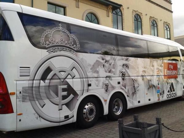 اتوبوس رئال وارد کاردیف شد