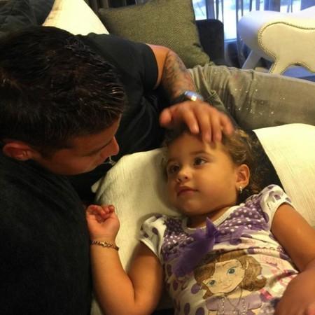 عکس/ خامس در معیت دخترش سالومه!