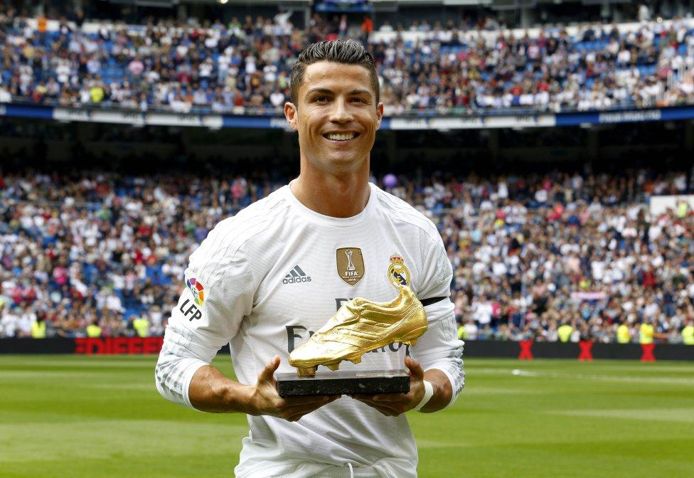 کفش طلا 2015