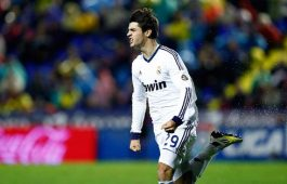 cristiano-ronaldo-588-alvaro-morata-running-around-the-pitch-after-scoring-the-late-winning-goal-in-levante-1-2-real-madrid-in-2012-2013 (1)